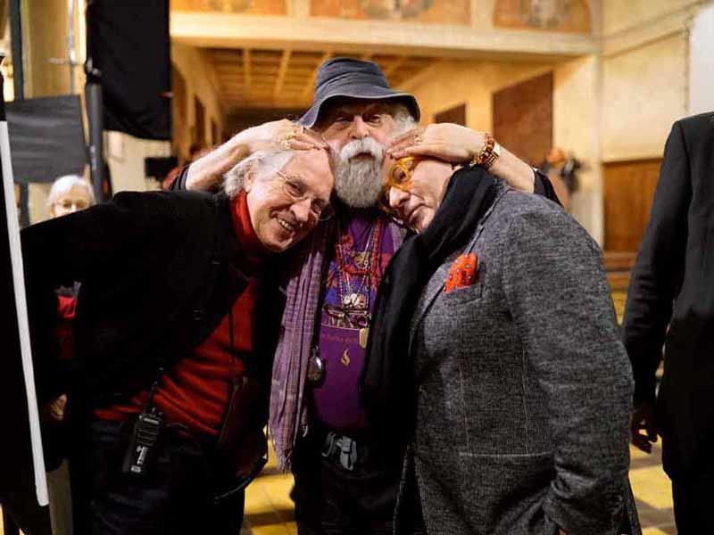 """The Living Tableau"" creator Armondo Linus Acosta bonding with two of the three members of his cinematic 'Dream Team': Cinematographer Vittorio Storaro, left, and production designer Dante Ferretti, right. <span style=""""font-size: 9px;"""">© AFA vzw</span>"